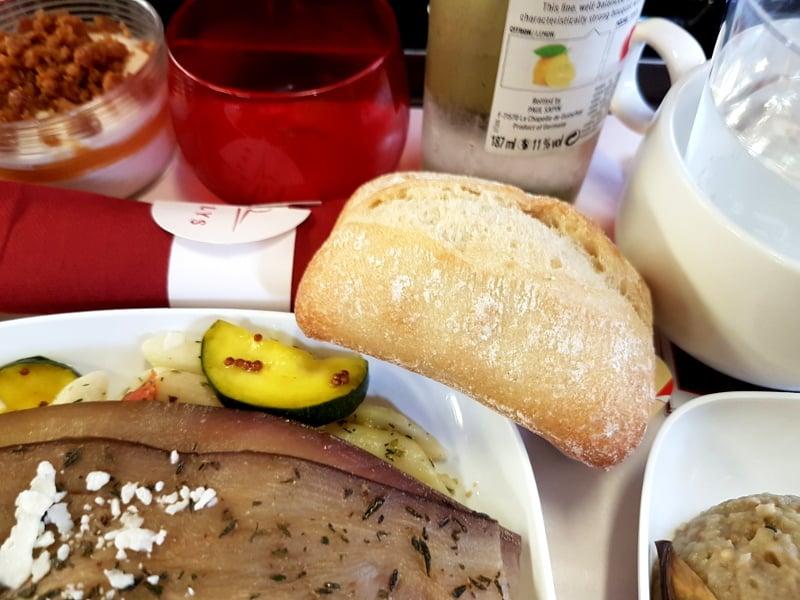Thalys 1.Klasse Essen: Snacks im Thalys Antipasti und Getränke Service in der Comfort 1 Klasse